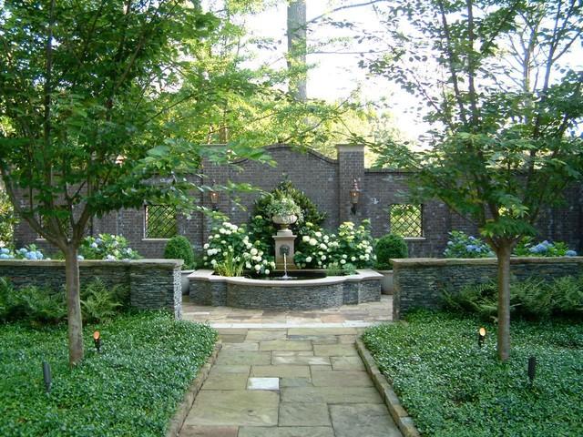 English Garden Wall Fountains Designs