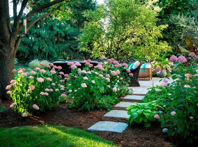 Glen Ellyn Landscape - Traditional - Garden - Chicago - By Ku0026D Landscape Management