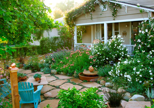 10 cottage gardens that are just too charming for words for Home garden design houzz