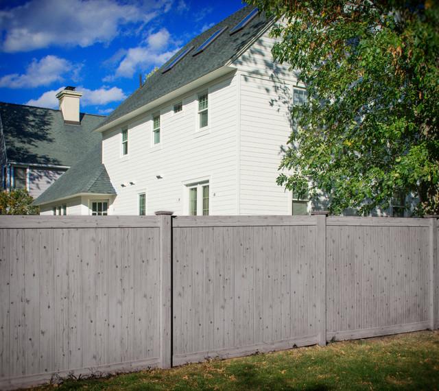 Gray driftwood w wood grain pvc vinyl privacy fence