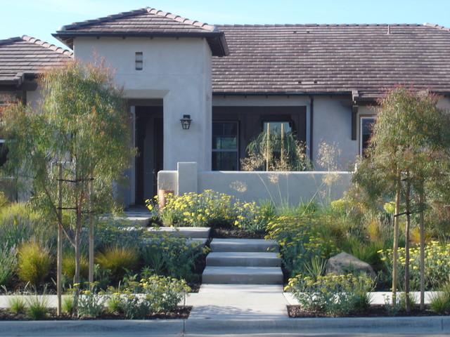 Grey Residence contemporary-landscape