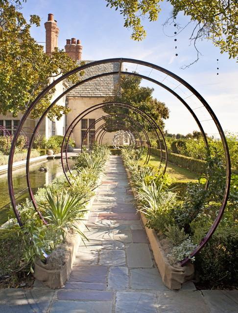 Greystone Mansion Gracie Trellis contemporary-landscape