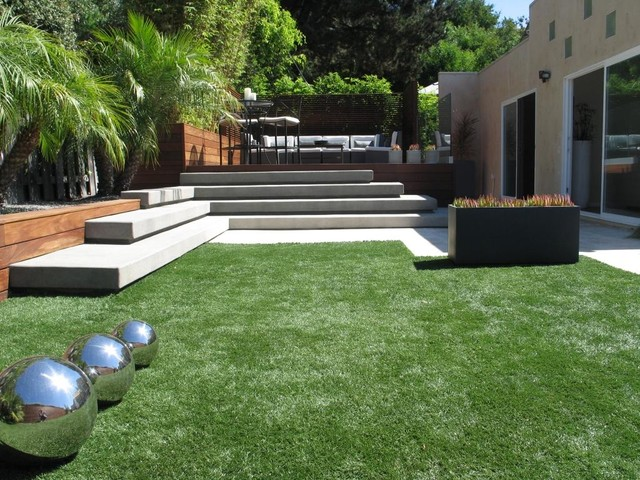 Lay of the landscape modern garden style