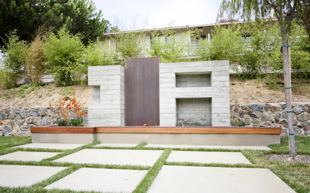Photo of a contemporary water fountain landscape in San Diego. - Grounded - Modern Landscape Architecture - Contemporary - Landscape