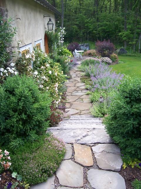 Guest House Cottage Garden farmhouse-landscape