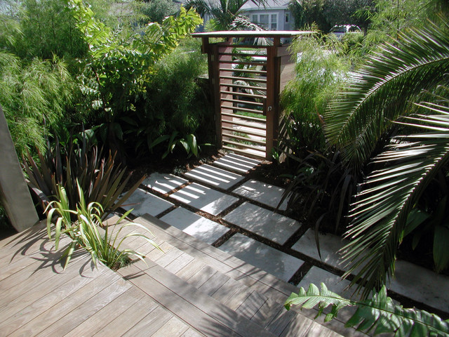 Modern patio decorating ideas - Hardscape Tropical Landscape Los Angeles By Stout