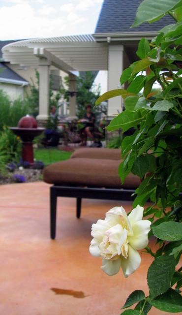 Hidden Spring Residence traditional-landscape