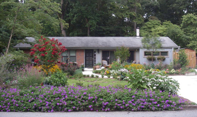 Curb appeal 5 landscape atlanta by home garden for Home garden design houzz