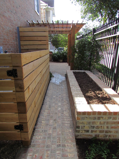 High function in a small side yard pergola raised bed for Small side yard design
