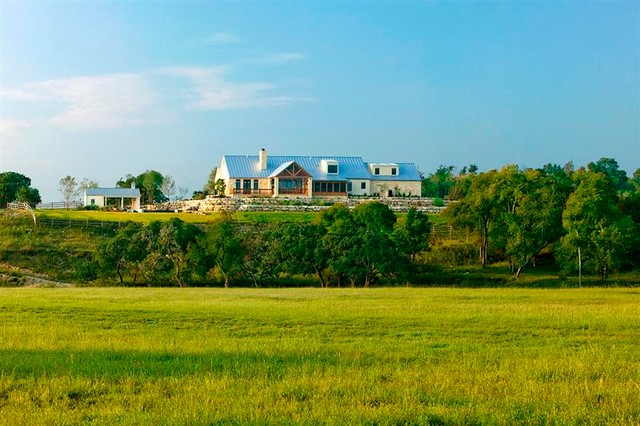 Hill Country Ranch II traditional-landscape