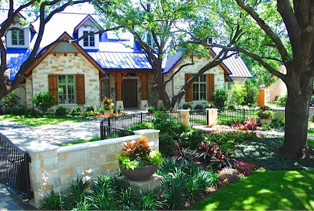 Hill Country Traditional traditional-landscape