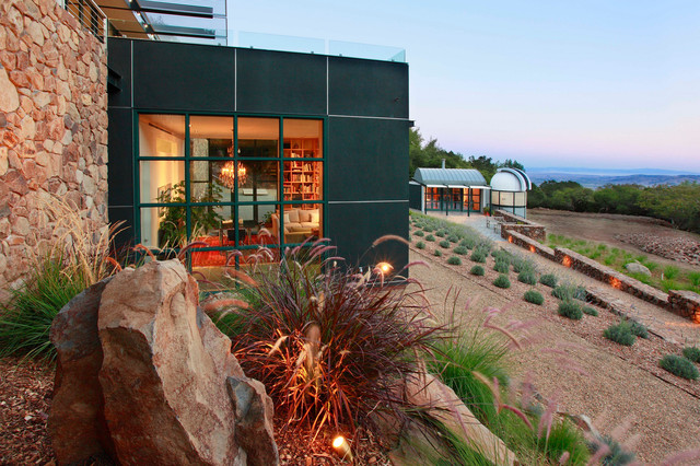 Hillside Contemporary contemporary landscape
