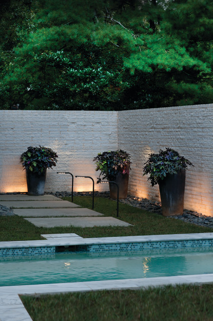 Hinkley Lighting 15471BZ Nexus Bronze Landscape LED Path Light contemporary-landscape