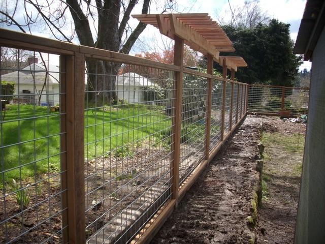 Hog Panel Fencing Modern Landscape Vancouver