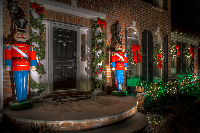 design ideas for a front yard brick landscaping in new york for winter - Outdoor Toy Soldier Christmas Decorations