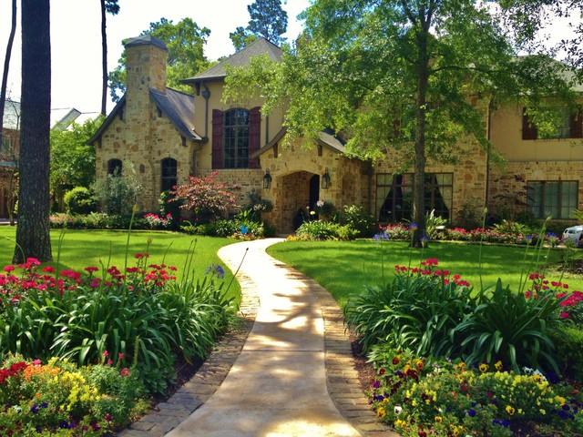 Home and garden design magazine top 100 designers for Garden design texas