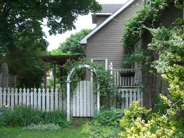 Enduring Design The Picket Fence