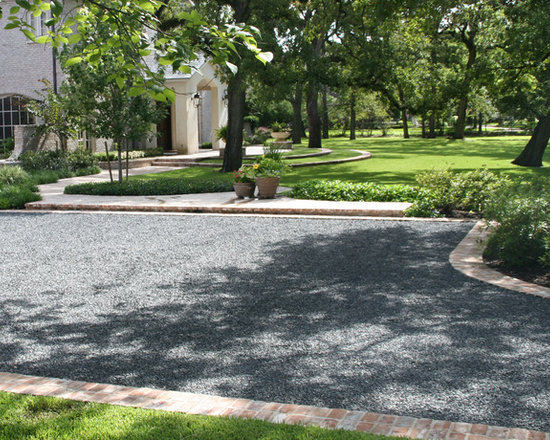 Black star gravel home design ideas pictures remodel and - Ideas for gravel driveways ...