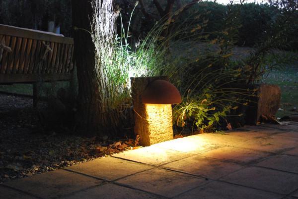 Iluminaci n exterior balizas ecol gicas a medida for Iluminacion exterior jardin diseno
