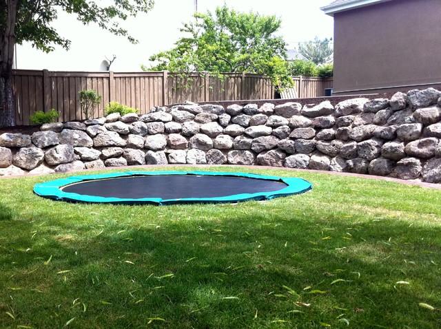 comment choisir son trampoline. Black Bedroom Furniture Sets. Home Design Ideas