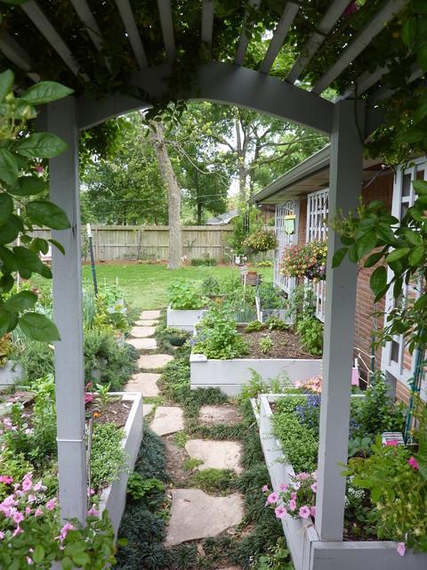 Informal garden in spring branch traditional landscape for Informal garden designs