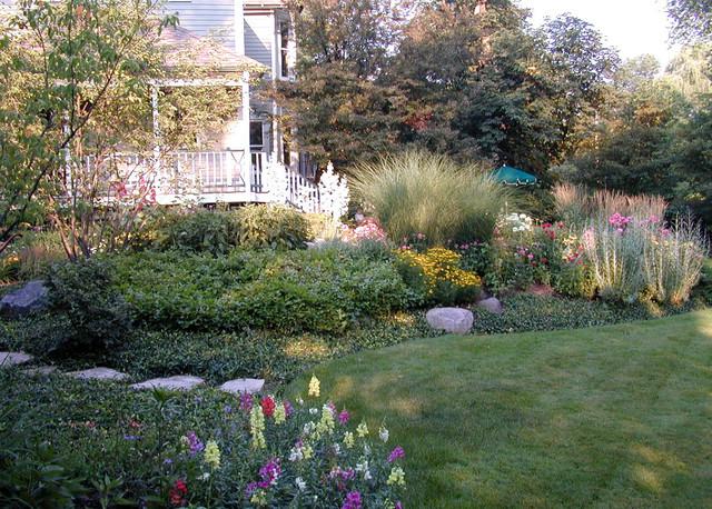 Informal garden winnetka illinois eclectic landscape for Informal garden designs
