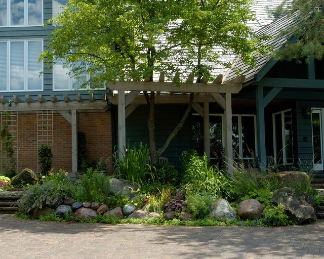 Inverness Project - Traditional - Landscape - chicago - by Grant and Power Landscaping