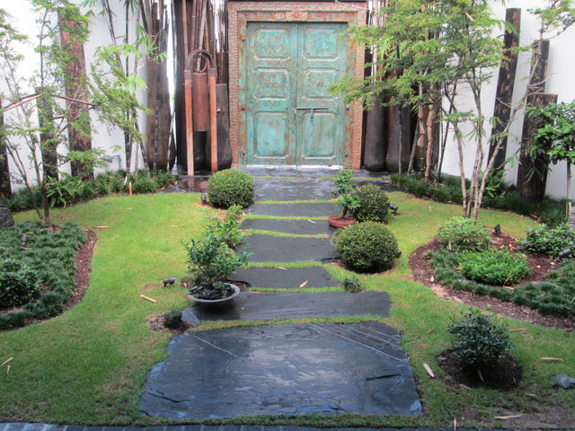 Japanese Garden Front Entrance Stepping Stone Walkway In Manalapan Custom Florida Garden Design