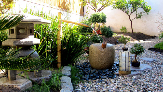 Japanese inspired garden for Decoration jardin zen exterieur