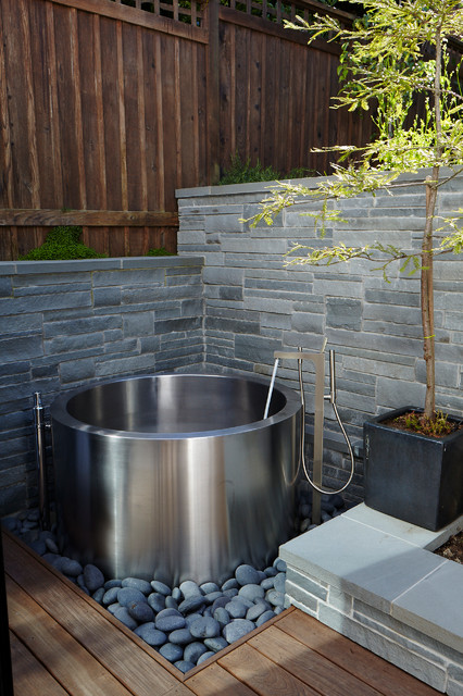 Japanese Soaking Tub Contemporary Landscape San