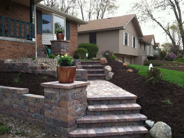 Jolley front entrance Traditional Landscape Omaha