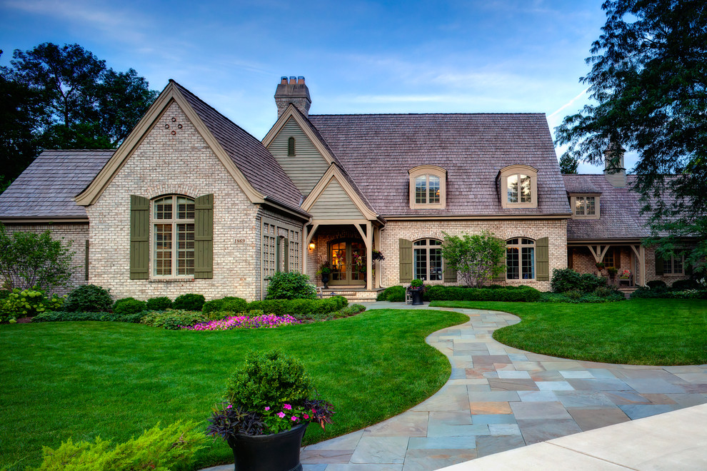 4 House Updates That Increase Your Curb Appeal and Make Your Home More Inviting