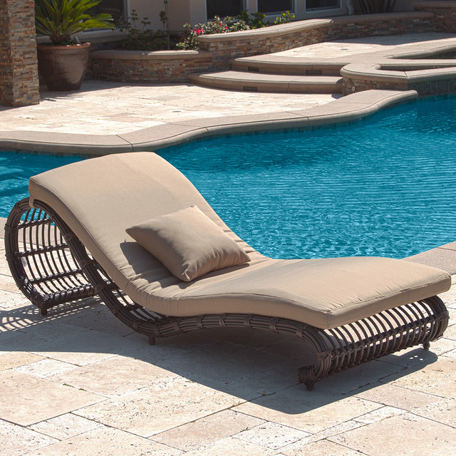 Kauai Outdoor Wicker Pool Chaise Lounge Chair (set Of 2) Modern Landscape