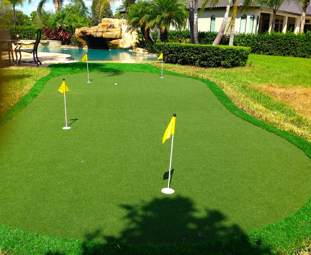 Keenes Pointe Putting Green Traditional Landscape