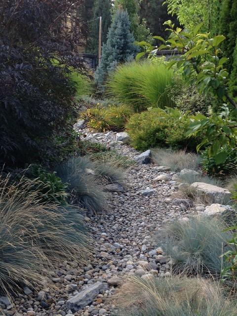 Kelowna xeriscape rustic garden vancouver by for Landscaping rocks kelowna