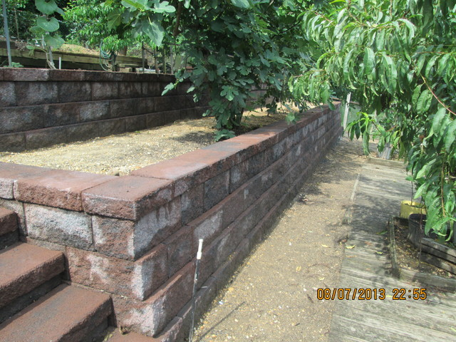 Keystone Retaining Wall Traditional Landscape