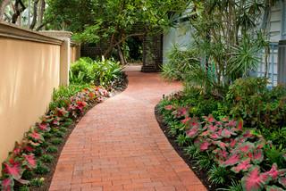 Kiehl - Harbor Oaks - Tropical - Landscape - Portland - by Dane Spencer Landscape Architecture