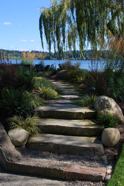 Kirkland Waterfront traditional-landscape