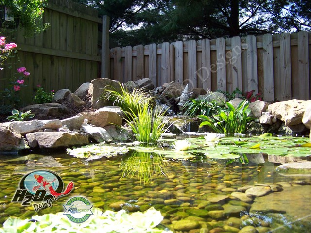 Koi pond backyard pond small pond ideas for your for Garden table fish pond