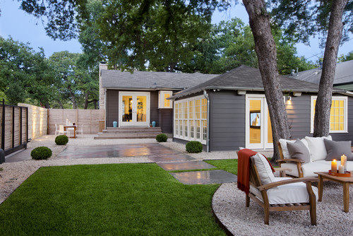 The Lafayette residence is a contemporary style backyard