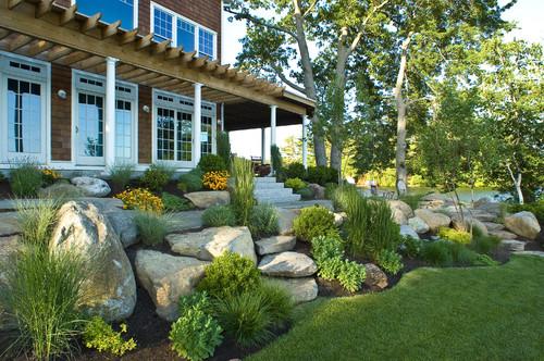Beach Style Landscape by Sterling Landscape Architects & Landscape Designers Princeton Scapes Inc