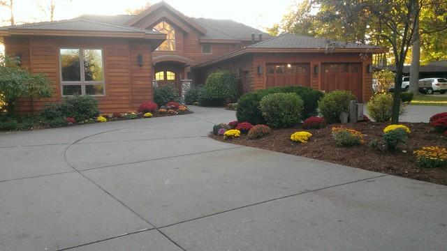 Lake Mitchell Home Cadillac Mi Rustic Landscape Grand Rapids By Rent A Gardener Llc
