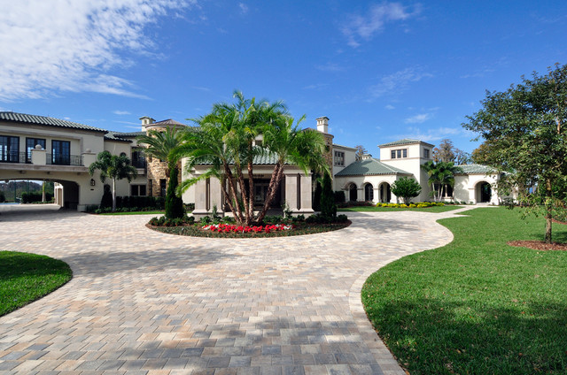 Lakefront home traditional landscape orlando by for Lakefront landscaping photos