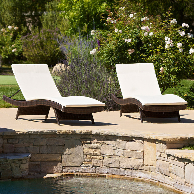 Lakeport outdoor adjustable chaise lounge chair with for Great deals on outdoor furniture