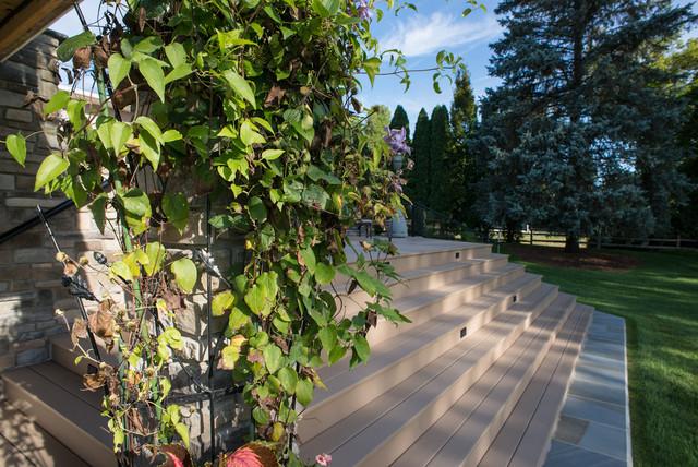 Lakeside Deck & Patio traditional-landscape