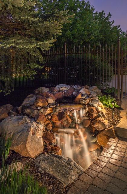 Landscape Lighting Poolside traditional-landscape