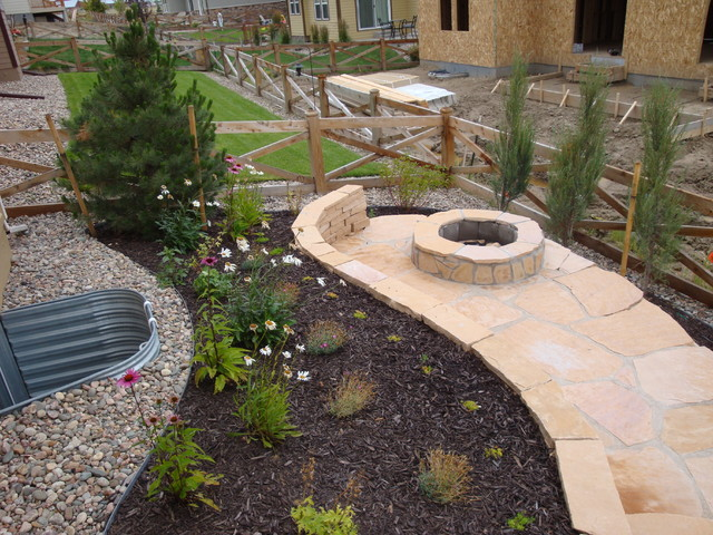 Landscaping ideas for colorado front range - Small backyard landscape designs ...