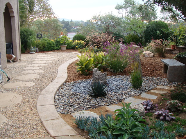 Landscaping ideas traditional landscape los angeles for Landscaping rocks in los angeles