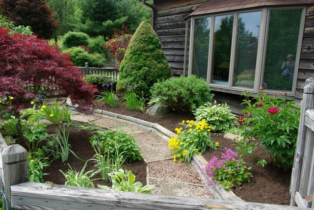Landscaping makeovers traditional landscape other for Garden design with japanese maple