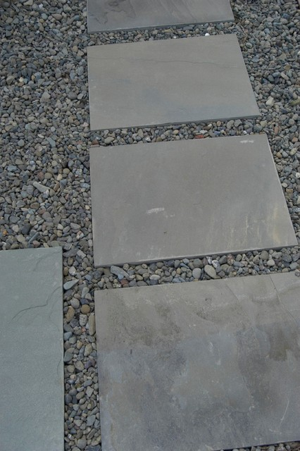Large Bluestone Stepping Stones Traditional Landscape